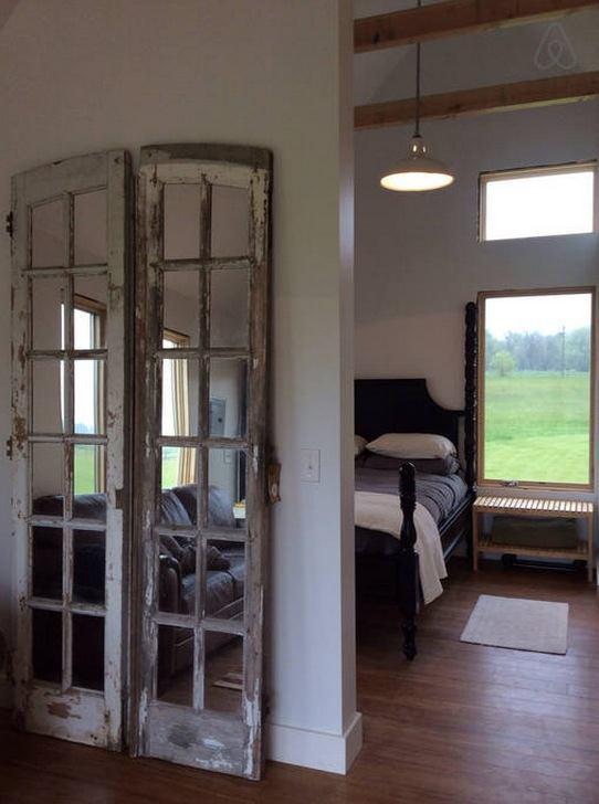 300-sq-ft-tiny-cabin-vacation-on-organic-farm-near-portland-00012