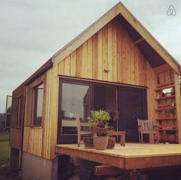300-sq-ft-tiny-cabin-vacation-on-organic-farm-near-portland-00019