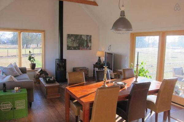 300-sq-ft-tiny-cabin-vacation-on-organic-farm-near-portland-0007