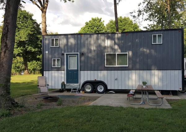 30ft Simply Modern Tiny house For Sale 001