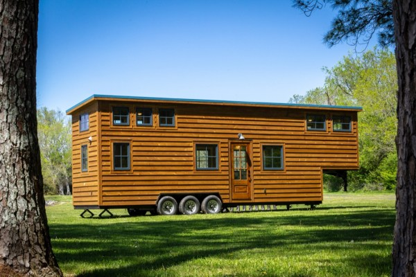 35ft CedarHouse by Timbercraft Tiny Homes EXTERIOR 001