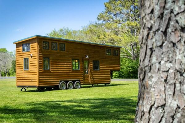 35ft CedarHouse by Timbercraft Tiny Homes EXTERIOR 0010