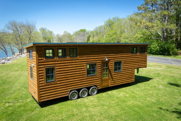 35ft CedarHouse by Timbercraft Tiny Homes EXTERIOR 0012