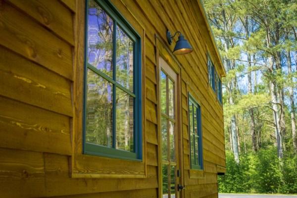 35ft CedarHouse by Timbercraft Tiny Homes EXTERIOR 004