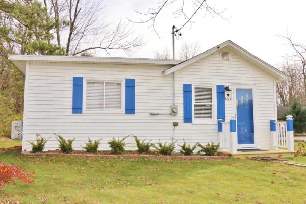 364-sq-ft-tiny-blue-star-cottage-010