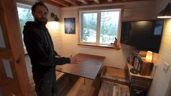 380-sq-ft-v-house-nelson-tiny-houses-003