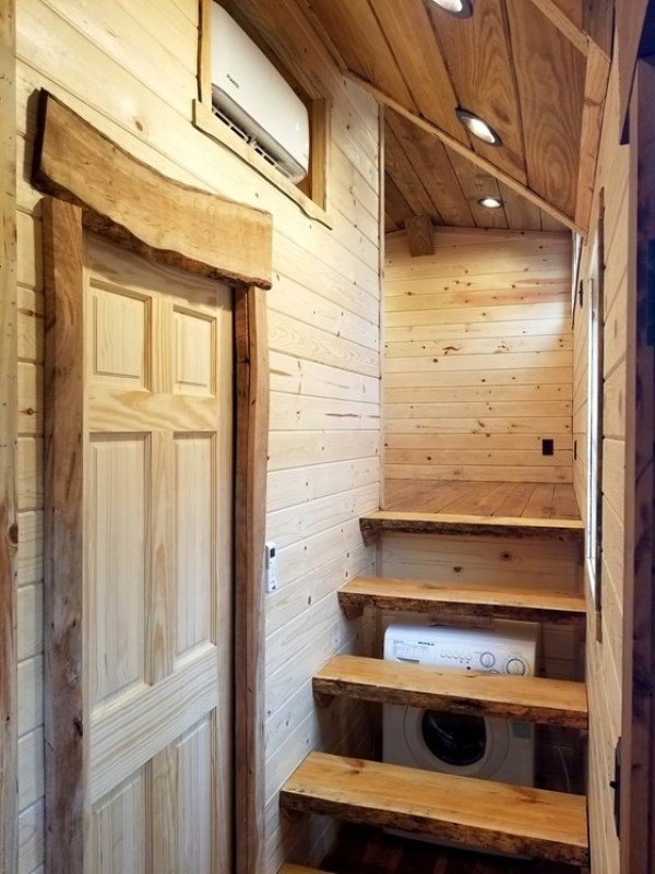 39ft Rustic Gooseneck Tiny House On Wheels