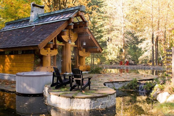 400-Sq-Ft-Cabin-Mountains-British-Columbia-006