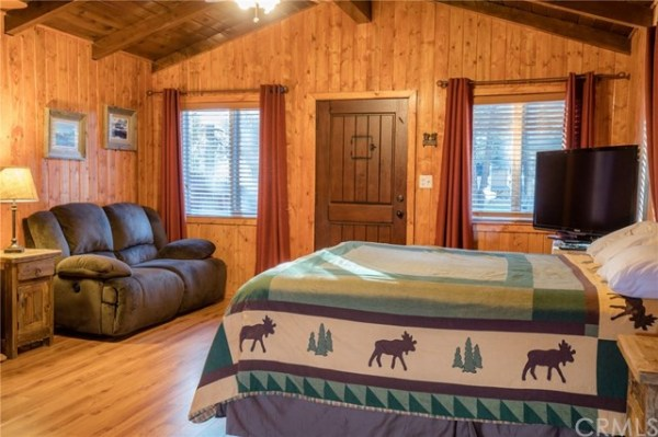 402-sq-ft-big-bear-cabin-004