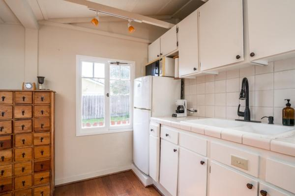 440sf Cottage in Pacific Grove CA_008