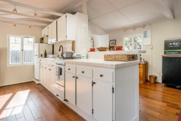 440sf Cottage in Pacific Grove CA_009