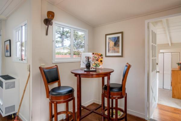 440sf Cottage in Pacific Grove CA_010