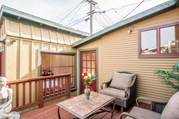 440sf Cottage in Pacific Grove CA_014