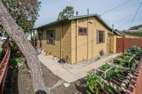 440sf Cottage in Pacific Grove CA_016