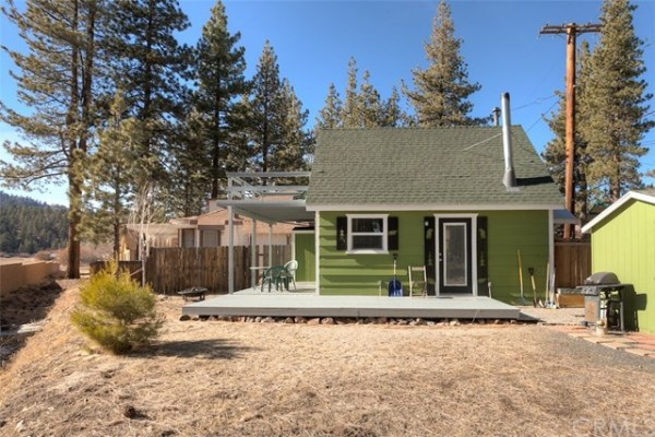 461sf Tiny Cottage in Fawnskin CA For Sale 0017
