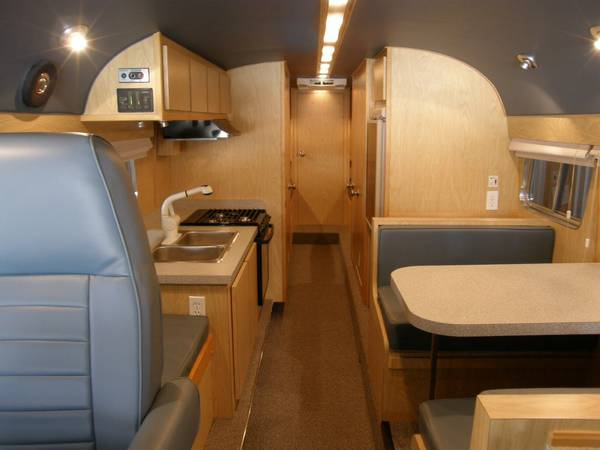 49-flxible-clipper-bus-motorhome-conversion-for-sale-007