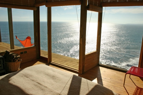 500-square-foot Small House on a Cliff with Water Views (2)