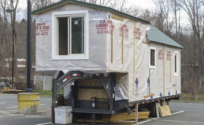 College Senior Building 5th Wheel Tiny House