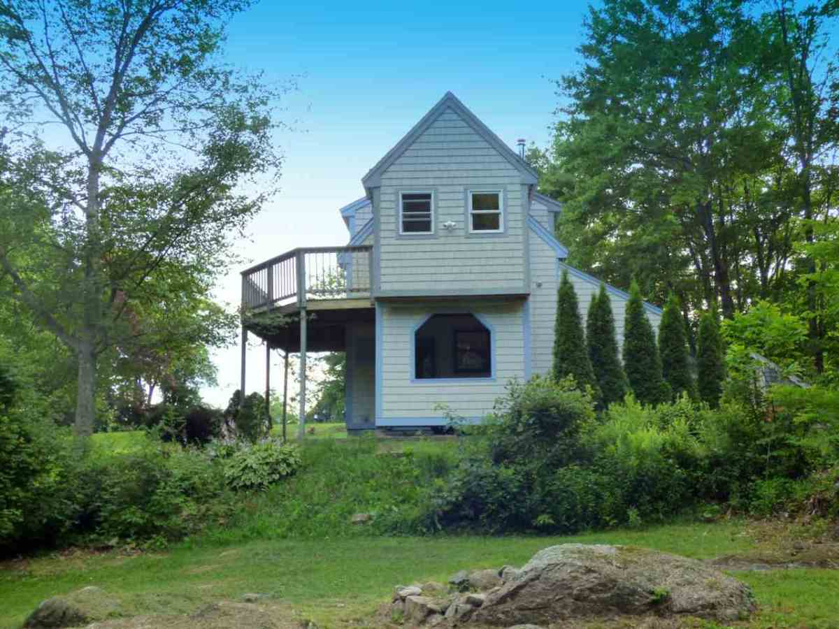 520 sq ft 2 story cottage for sale in meredith nh for 2 story cottage