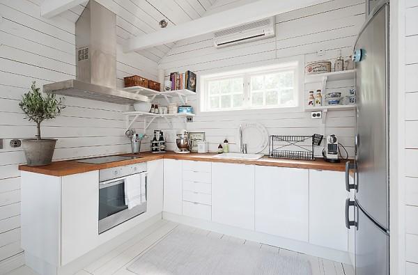 538-sq-ft-cottage-in-sweden-kalvsvik-lake-house-007