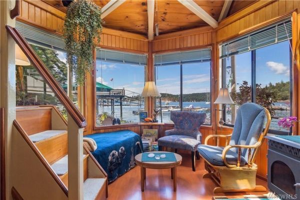 600sf Floating Cottage in San Juan Island 0014