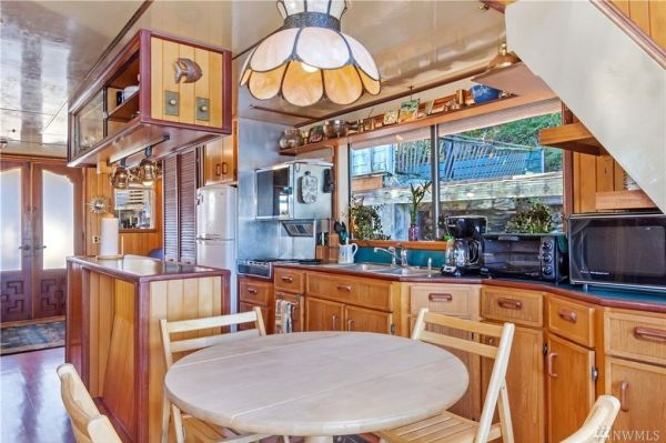 600sf Floating Cottage in San Juan Island 003