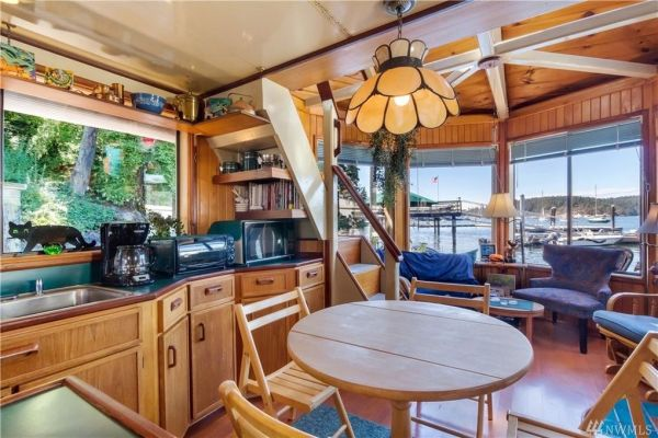 600sf Floating Cottage in San Juan Island 007