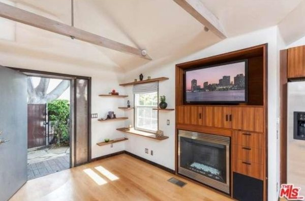 603-sq-ft-hollywood-bungalow-0026