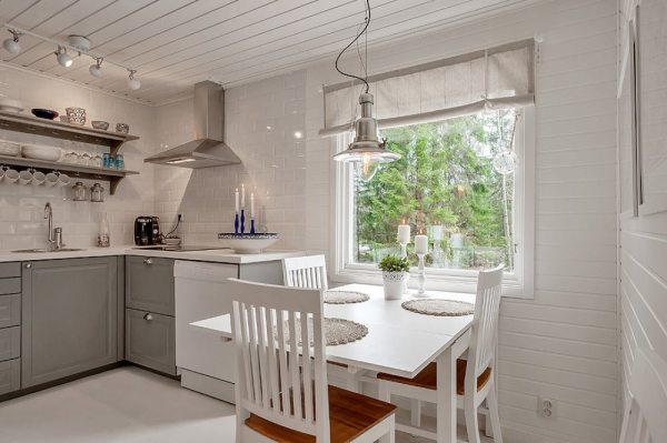 613-sq-ft-small-house-in-sweden-woods-007