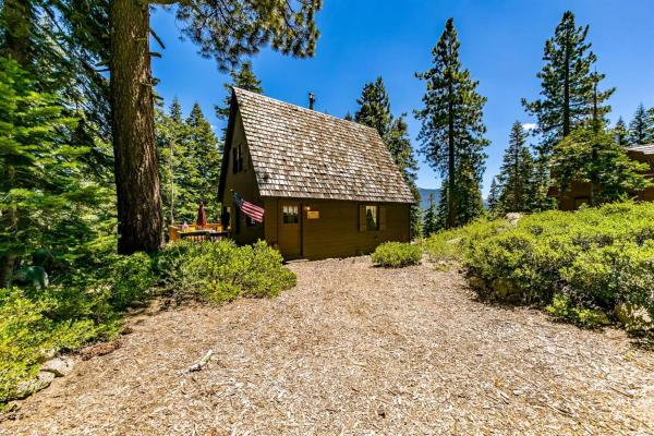 626 Sq Ft Tiny Cabin with 3 Bedrooms