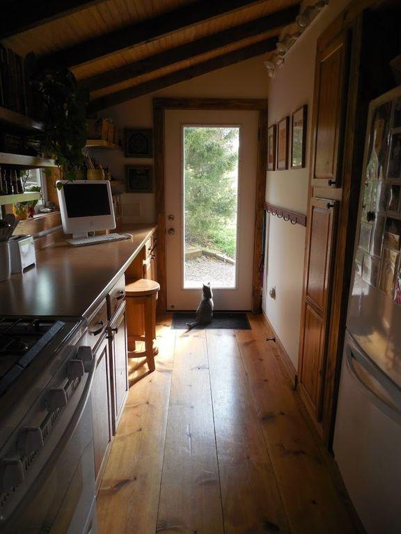 630-sq-ft-parrotsville-cottage-019