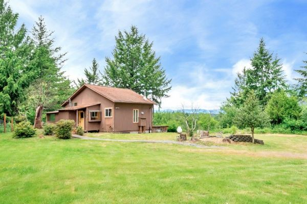 640 sq ft mountain view cabin in belfair for Hood canal cabin for sale