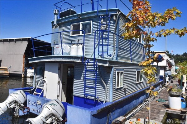 651 Sq Ft Houseboat in Seattle 0023