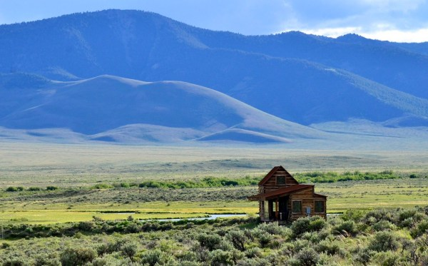 690-Sq-Ft-Little-Lost-Cabin-Idaho-010