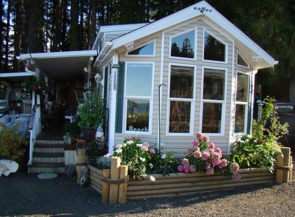 690 sq ft park model cottage for sale for Tiny house zillow