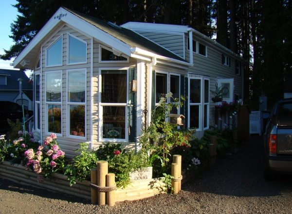 690-sq-ft-park-model-cottage-for-sale-0003