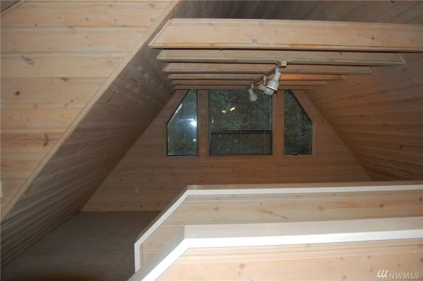 720 Sq Ft Cabin in Hoodsport For Sale 0011