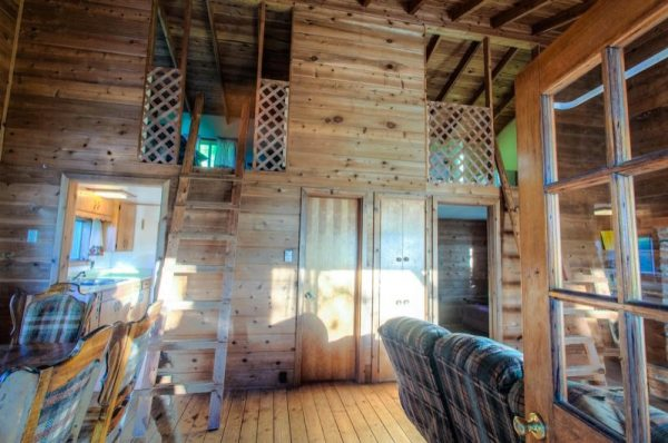 720-sq-ft-rustic-cabin-in-the-mountains-for-sale-002