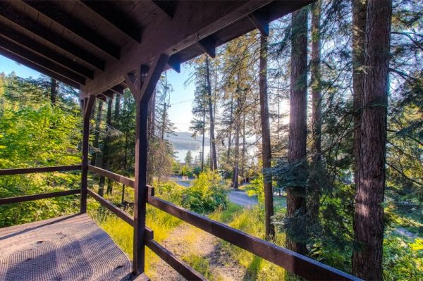720-sq-ft-rustic-cabin-in-the-mountains-for-sale-008