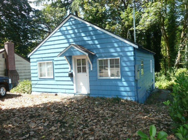 748 Sq. Ft. Cottage For Sale with Great Potential in Olympia