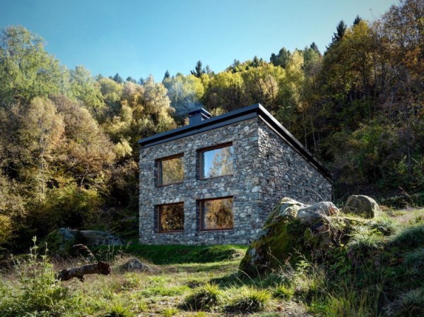 800 Sq. Ft. Stone Cottage 001