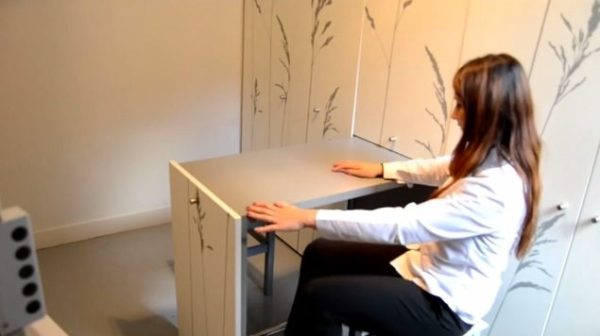 86-sq-ft-transforming-micro-apartment-paris-kitoko-studios-008
