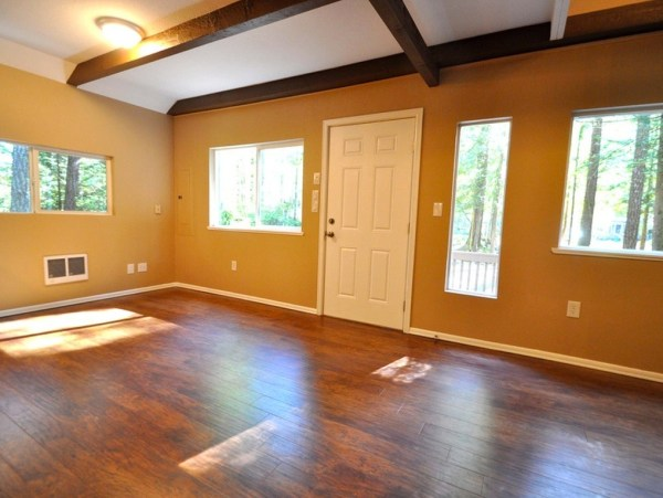 867-cabin-for-sale-003