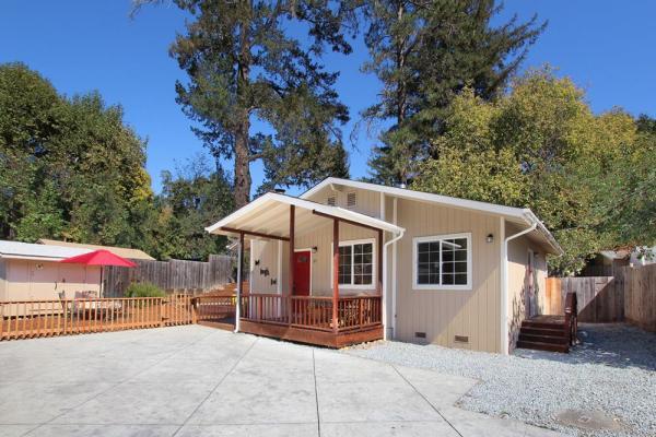 880-sq-ft-scotts-valley-cottage-001