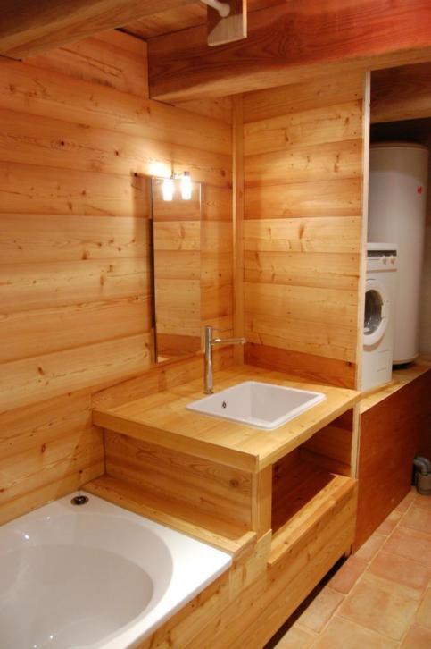 890-sq-ft-cottage-in-france-017