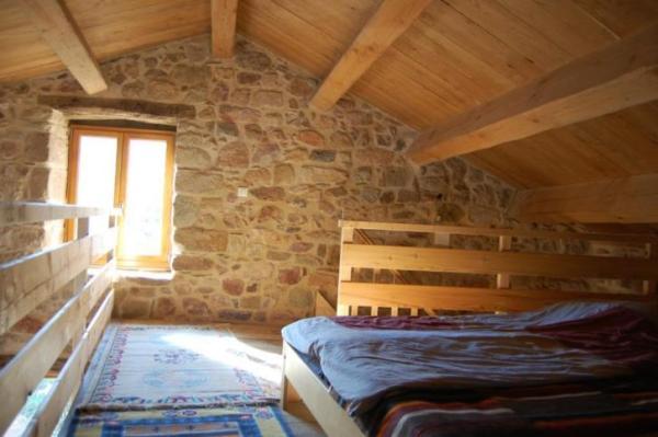 890-sq-ft-cottage-in-france-019