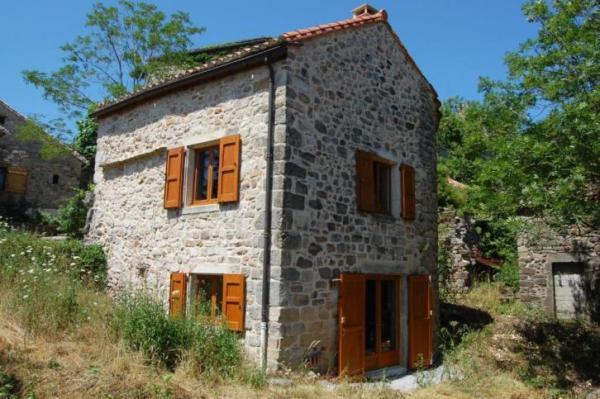 890-sq-ft-cottage-in-france-022