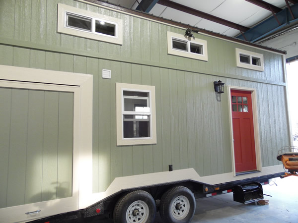 8x24-toy-hauler-tiny-house-016