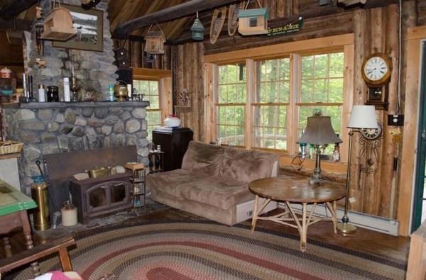 90k-tiny-log-cabin-built-in-1934-via-estately-002