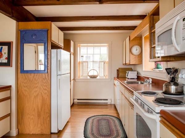 960-sq-ft-cozy-beach-cottage-02